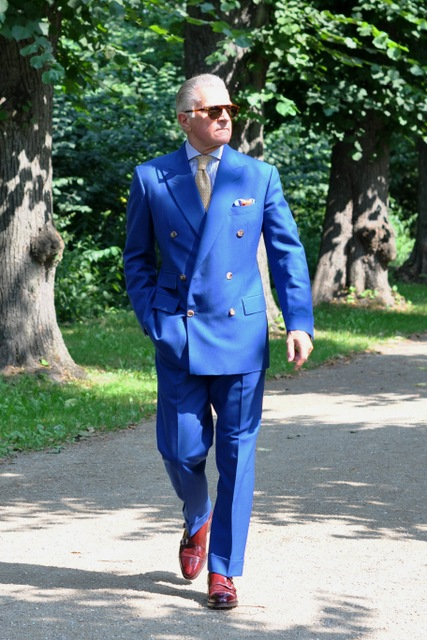 Butler-blue-mohair-suit-The-Journal-of-Style-2