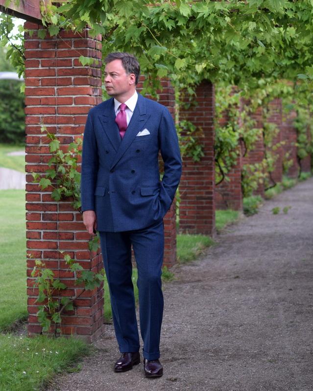 Torsten-G-in-a-bespoke-Italian-suit-The-Journal-of-Style