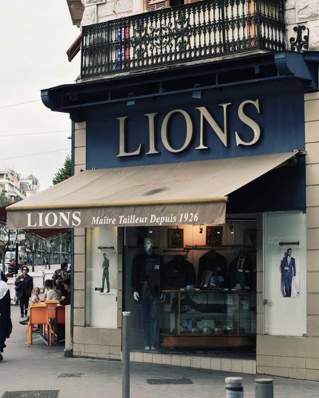 Maitre-tailleur-Lions-Bespoke-Tailor-Nice-France-The-Journal-of-Style-2