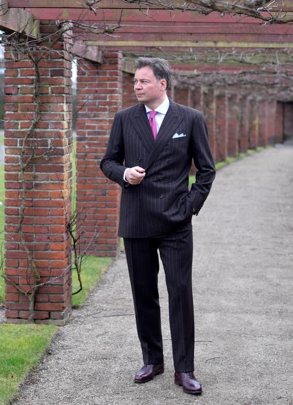 Torsten_Grunwald_in_a_bespoke_suit_from_Volkmar_Arnulf