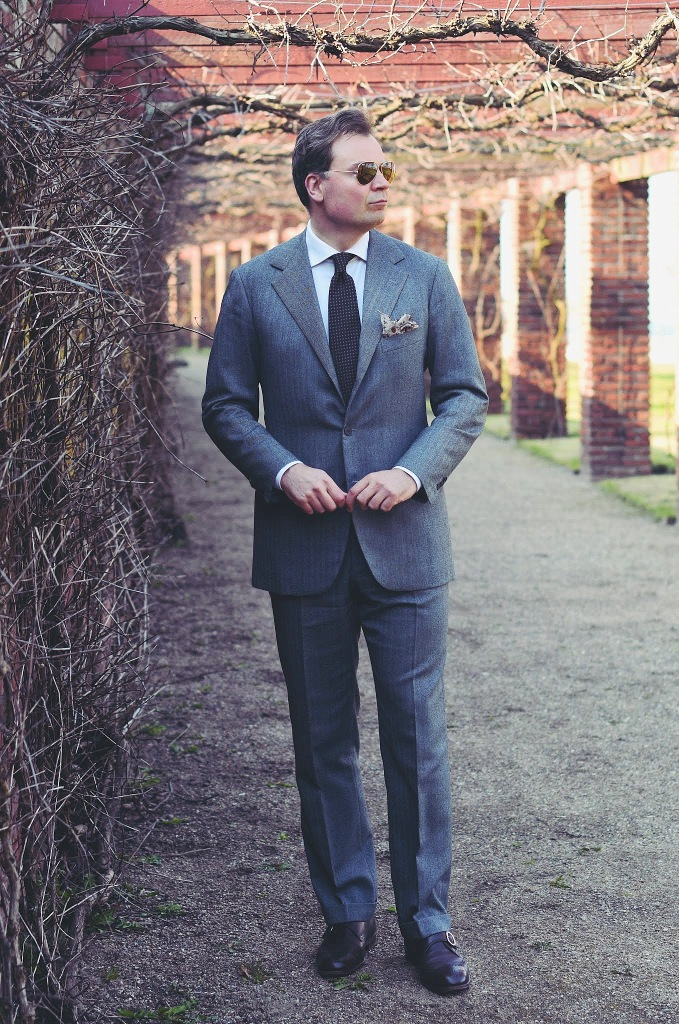 Grey Suit: When Grey Beats Blue -