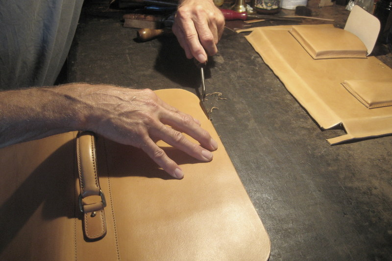 bespoke_briefcase_full_grain_leather_in_the_making_sartorial_notes_3