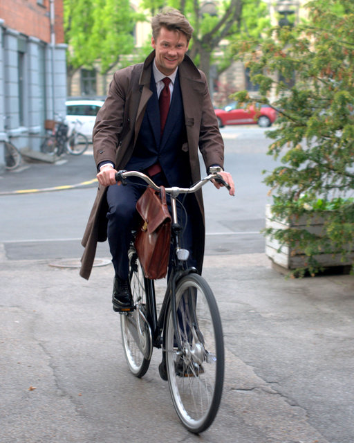 Gentleman-Cycling-Copenhagen-The-Journal-of-Style