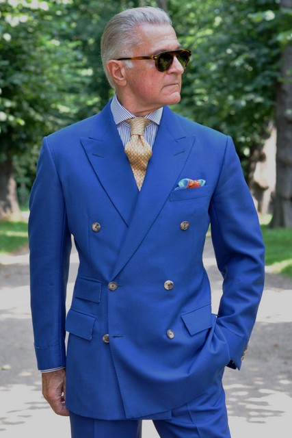 The Versatile Bold Suit -