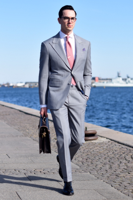 The-light-grey-mtm-suit-The-Journal-of-Style-1