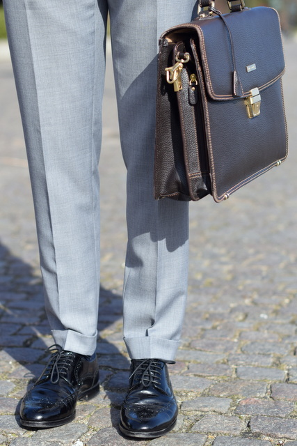 The-light-grey-mtm-suit-The-Journal-of-Style-3