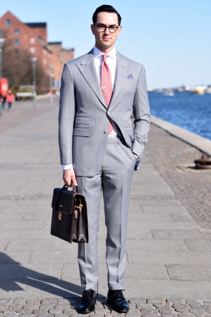 The-light-grey-mtm-suit-The-Journal-of-Style-4