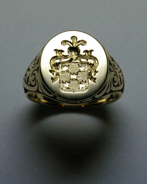 Bling-signet-ring-The-Journal-of-Style