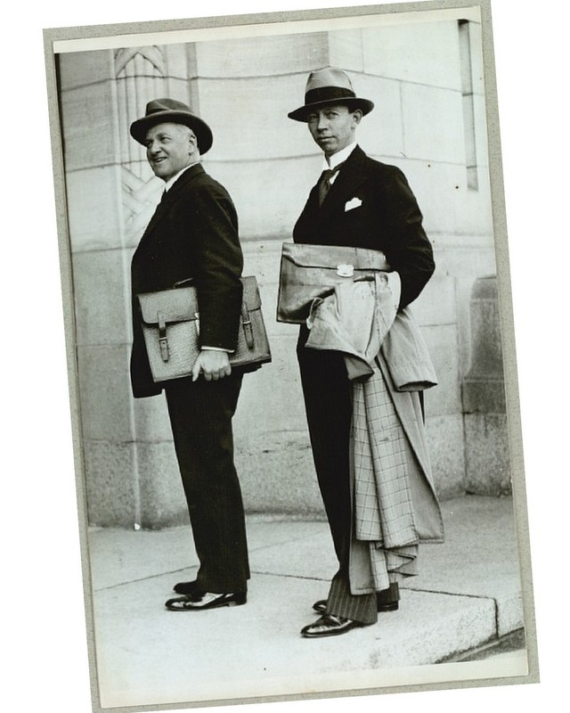Old-photo-of-Gentlemen-with-briefcases-The-Journal-of-Style