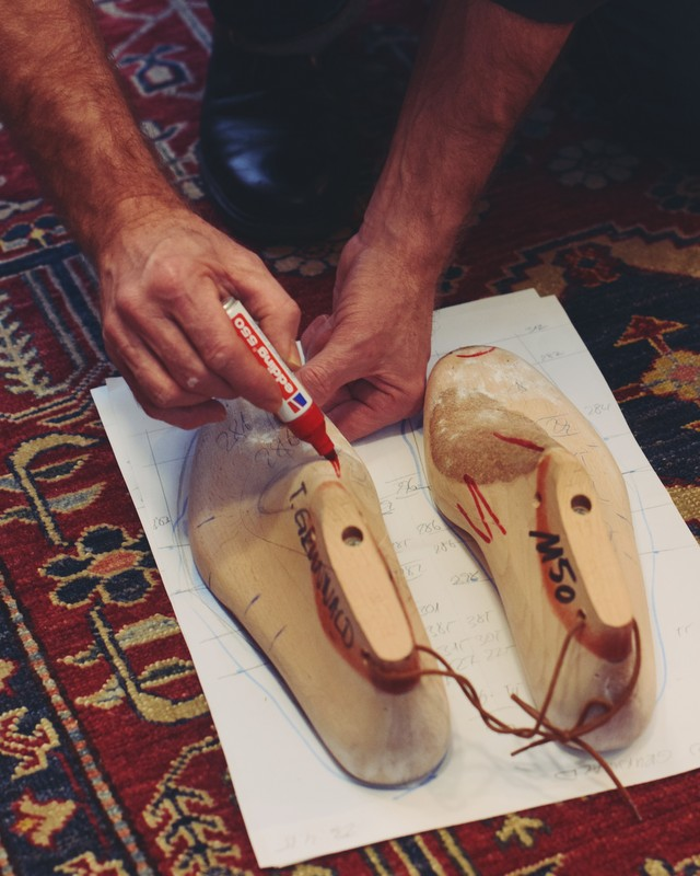 Benjamin-Klemann-Shoes-fitting-The-Journal-of-Style-6