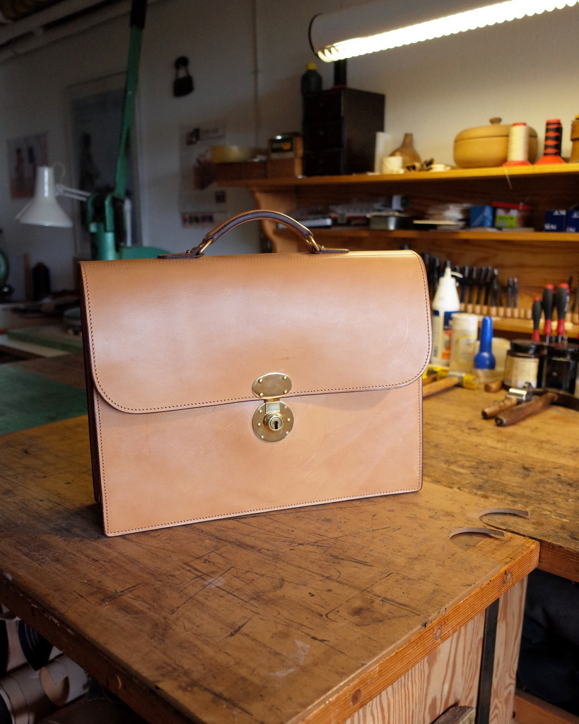 bespoke_briefcase_full_grain_leather_1